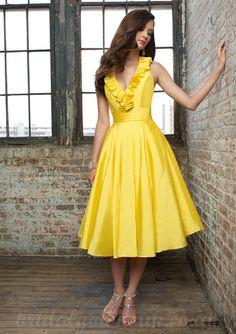 V Neck Personalized Neckline Knee Length Cheap Yellow Short Bridesmaid Dress