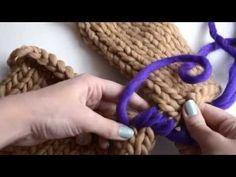 Wie man die Ärmel an den Body eines Pullovers näht Knitting Kits, Knitting Stitches, Pull Crochet, Knit Crochet, Hobbies And Crafts, Arts And Crafts, Ravelry, Garter Stitch, Hand Sewing