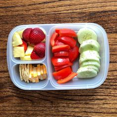 Loading up on veggies & fruit for lunch Colby jack cheese 4 Almond nut thin crackers 1 Cucumbers 0 Bell peppers 0 Strawberries/Pineapple 0 Lunch Meal Prep, Healthy Meal Prep, Healthy Snacks, Healthy Eating, Healthy Recipes, Keto Recipes, Kids Meals, Easy Meals, Prepped Lunches