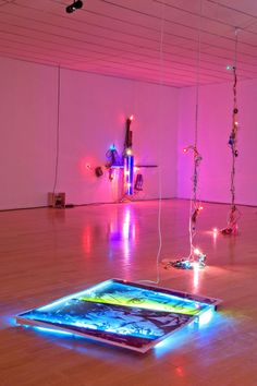 i come alive in the night time Modern Art, Contemporary Art, Funky Art, Light Installation, Art Of Living, Neon Lighting, Light Art, Night Time, Graphic Design