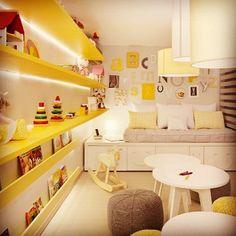 Quarto de criança amarelo + cinza para variar do rosa e azul! Por Daniela Bakker e Dinane Lima #designdecor #design #decor #decoração #interiores #interiordesign #homedecor #arquitetura #architecture #quarto #quartodecriança #menino #menina