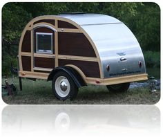 "AKA ""The Great American Woodie"" Available in x or x platform Mahogany and Ash Exterior Wood Interior Full or Queen size sleeping area Aluminum & Wood Accents Tiny Trailers, Vintage Trailers, Camper Trailers, Camper Van, Enclosed Trailers, Mini Camper, Travel Trailers, Retro Campers, Cool Campers"