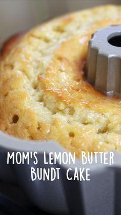 Pastry Recipes, Baking Recipes, Cake Recipes, Dessert Recipes, Homemade Sweets, Homemade Cakes, Lemon Bundt Cake, Lemon Loaf, Fun Desserts