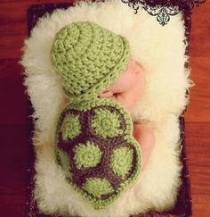 I so want to learn how to crochet this!