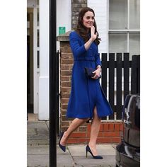 #KateMiddleton looked characteristically chic as she stepped out her first engagement of 2017 to visit the Anna Freud National Centre for Children and Families in London.  via ELLE HONG KONG MAGAZINE OFFICIAL INSTAGRAM - Fashion Campaigns  Haute Couture  Advertising  Editorial Photography  Magazine Cover Designs  Supermodels  Runway Models