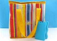 Vintage Retro Alaska Insulated Cool Bag Striped Plus Ice Blocks Vintage Wear, Retro Vintage, Vintage Items, Campervan Accessories, Vintage Home Accessories, Ice Blocks, Stripes Design, Sale Items