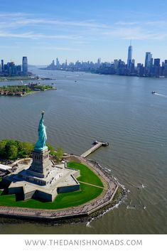An Unforgettable Open-Door Heli Ride - The Highlight of our Week in New York City Manhattan Times Square, Manhattan New York, Lower Manhattan, Samana, Zona Colonial, Famous Places, Famous Landmarks, Nyc Skyline, City Aesthetic