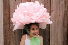 These Easter Bonnets are so easy to make. They are perfect for the Easter Bonnet or Easter Hat Parade. They are all quick to make and look adorable. All of these Easter Hats can be modified to use … Crazy Hat Day, Crazy Hats, Costume Fleur, Easter Crafts, Crafts For Kids, Easter Hat Parade, Party Deco, Costume Carnaval, Flower Costume