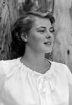 Ingrid Bergman Swedish Actresses, Classic Actresses, Hollywood Actresses, Iconic Movies, Old Movies, Classic Movies, Classic Hollywood, Old Hollywood, Isabella Rossellini