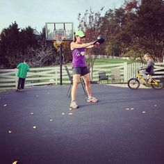 how a single mom of 4 stays in shape