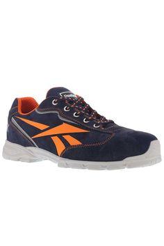 Zapato deportivo de seguridad azul Audiacious de Reebok. Fabricado en piel  girada azul de primera calidad. El zapato está forrado en su interior.