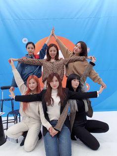Eun Ji, Kpop Girl Groups, Kpop Girls, Kpop Comeback, Group Poses, Pink Panda, Fandom, Love K, Soyeon