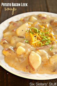 Cheesy Potato Bacon Leek Soup on SixSistersStuff.com - a hearty, cheesy soup that will fill you up! Amazing flavor.