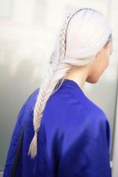 London Fashion Week street style. Gorgeous hairdo #fashion #hair