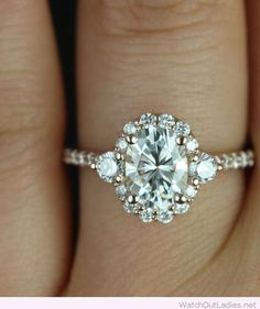 Chic engagement ring design for a special lady