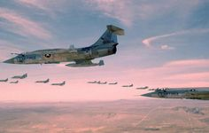 """F-104C """"56-0925"""" of 479th Tactical Fighter Wing in a """"32 ship"""" F-104 formation 1960"""