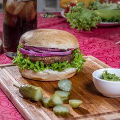 ¿Hamburguesa, lechuga y cebolla morada? El mejor sándwich con pan amasado HOME BAKERY de BredenMaster.