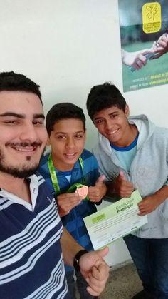 João Gabriel Leite de Mattos, aluno do 7º ano da Escola Inayá, celebra medalha…