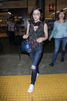 #LosAngeles, #LucyHale Lucy Hale Travel Outfit - Arrives Back in LAX, Los Angeles 05/19/2017 | Celebrity Uncensored! Read more: http://celxxx.com/2017/05/lucy-hale-travel-outfit-arrives-back-in-lax-los-angeles-05192017/
