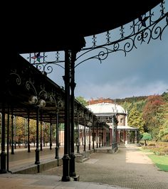 SPA, galerie Léopold II, Parc des Sept Heures. The Place Royale of SPA is sometimes called 'Le Parc de sept-heures' (the seven o'clock park), because since more than 300 years this has been the place where visitors have come to make their evening walk.