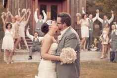 22 Wedding Photo Ideas & PosesConfetti Daydreams – Wedding Blog