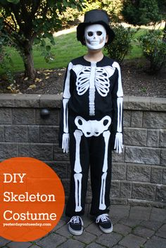 DIY Skeleton Costume  (kinda want to do the bones on a black hoodie. Not just for Halloween.. :D)