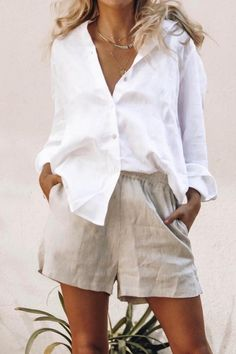 , Summer Outfits , White linen button down with beige linen shorts Source by emcik. Mode Outfits, Short Outfits, Trendy Outfits, Fashion Outfits, Womens Fashion, Punk Fashion, Lolita Fashion, Fashion Mask, Streetwear Fashion