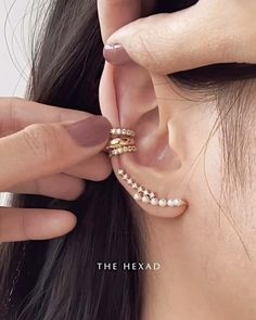 """The """"No Commitment Stack"""". You'll love these painless ear cuffs that slide on like a dream ✨Sho Unique Ear Piercings, Different Ear Piercings, Types Of Ear Piercings, Multiple Ear Piercings, Women Piercings, Triple Ear Piercing, Ear Piercings Helix, Ear Cuff Piercing, Orbital Piercing"""