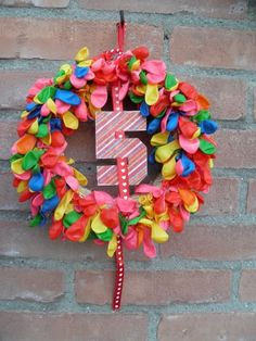 Nice idea: wreath made with water balloons