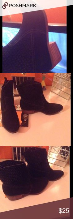 Black ankle boots Super cute peek a boo hole detail top design on boots American Eagle Outfitters Shoes Ankle Boots & Booties