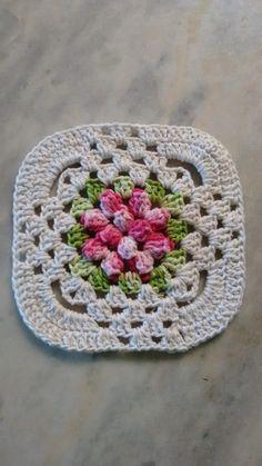 Crochet Tunic Pattern, Crochet Square Patterns, Crochet Stitches Patterns, Crochet Motif, Knit Crochet, Crochet Granny Square Afghan, Crochet Squares, Crochet Sunflower, Crochet Flowers