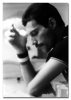 Serious love for Freddie Mercury. Marc & I have been on the longest hunt for the perfect Freddie art piece