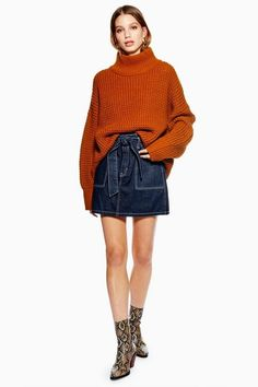 Channel the utility-chic look with this indigo denim skirt. Add a chunky autumnal toned knitwear piece for a nod to new-season style. Fast Fashion, Girl Fashion, Skirt Images, Line Jackets, Girls Night Out, Simple Outfits, Jeans Fit, Dress Brands, Indigo