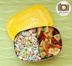St. Patty's Day Snacker  Bento Boxes make for easy, health St. Patrick's Day snackin'!  Click for the recipe from Meet the Dubiens.