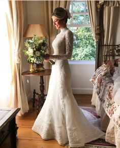 Unearth amazing weddings tips. Beach Style Wedding Dresses, Modest Wedding Dresses, Wedding Suits, Bridal Gowns, Wedding Gowns, Lace Bride, Long Sleeve Wedding, Mermaid Dresses, Marie
