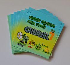 E para a festa do Gabriel, Plants vs Zombies...     Super toppers (para centros de mesa)       Bandeirolas        Toppers cupcakes        T...