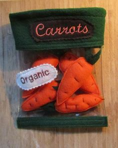 Organic Carrot Set with Storage Bag Felt- no tutorial, have to figure out.