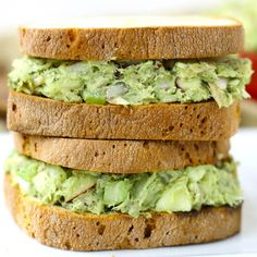 Avocado Tuna Salad Avocado Tuna Salad- This healthy avocado tuna salad recipe swaps out high fat mayonnaise for high protein and fiber-rich avocado. Healthy Tuna Sandwich, Healthy Sandwiches, Salad Sandwich, Clean Eating, Healthy Eating, Vegetarian Recipes, Cooking Recipes, Healthy Recipes, Healthy Meals