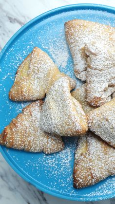 Tails Lobster tails for breakfast? Warm, flaky, cheese-stuffed lobster tails 😋Lobster tails for breakfast? Italian Pastry Cream Recipe, Italian Cookie Recipes, Italian Cookies, Italian Desserts, Italian Lobster Tail Pastry Recipe, Italian Christmas Desserts, Cream Cheese Puff Pastry, Italian Wedding Cookies, French Dessert Recipes