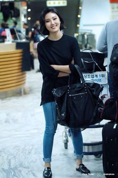 Kpop Outfits, Girl Outfits, Cute Outfits, Fashion Outfits, Korean Airport Fashion, Korean Fashion, Kpop Fashion, Girl Fashion, Womens Fashion