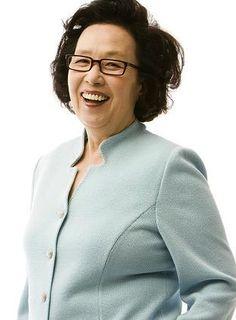 Na Moon-Hee Hangul: 나문희 Birthdate: November 30, 1941