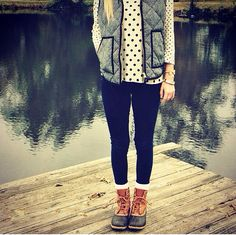 herringbone vest + duck boots = perfect outside outfit Preppy Outfits, Preppy Style, Style Me, Cute Outfits, Preppy Fall, Vintage Hipster, Looks Style, Looks Cool, Fall Winter Outfits