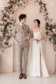 Pre Wedding Poses, Pre Wedding Photoshoot, Wedding Shoot, Wedding Dresses, Korean Wedding Photography, Couple Photography Poses, Bridal Photography, Marriage Poses, Korean Couple Photoshoot