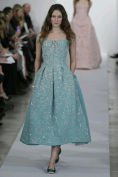Oscar De La Renta 2013 . Alice in Wonderlande :)