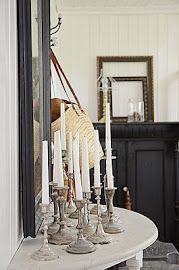 Love the loads of candlesticks together Demilune Table, Living Room Redo, Green Furniture, Country Lifestyle, Swedish House, Shabby Chic Bedrooms, Interior Stylist, Candlesticks, Sweet Home