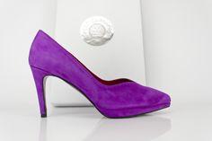 #zapatos #plataforma #taconazo #rosas #pink #suede #platform #shoes #moda #madeinspain #shoppingonline #madeinspain jorgelarranaga.com