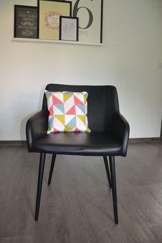 Housse de coussin recto verso d'un côté triangles et de l'autre trèfles taille sur demande : Textiles et tapis par june-boutik