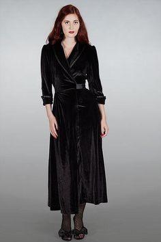 Velvet Budoir Robe, Sort Manillusion 1499,-kr
