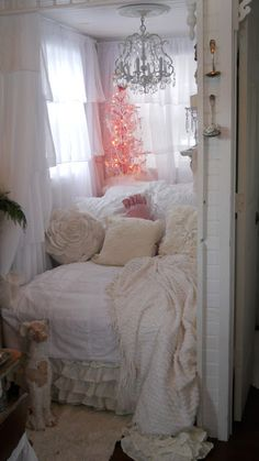 Shabby Chic Tiny Retreat: My tiny house - Christmas 2012