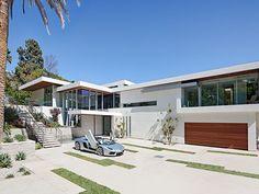 Der Ausdruck einer modernen Villa von Hagy Belzberg Homesthetics Parkingway